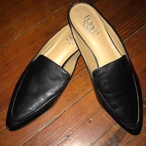 Mule styled women's shoes